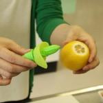 フレッシュなレモンが丸ごとスプレーになる「スプレモン」は絶対に便利