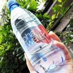 ピュアという贅沢 夏の水分補給にアロハウォーター