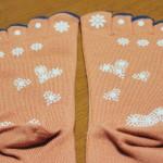 ほっこり温か気持ちいい 靴下専門Tabio(タビオ)「発熱素材のツボ押し5本指ソックス」